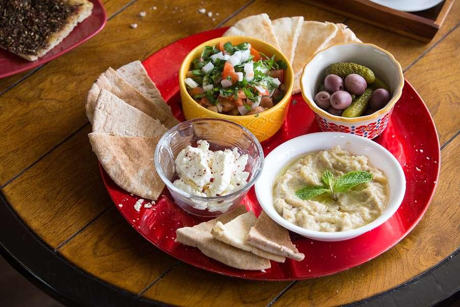 4-dish Arabian Meza